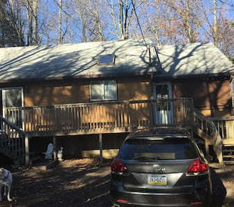 Comfortable cottage in Pocono Pines - Long Pond