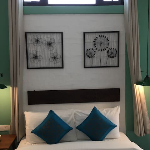 Sweet Cili Boutique Double Room - George Town - Bed & Breakfast
