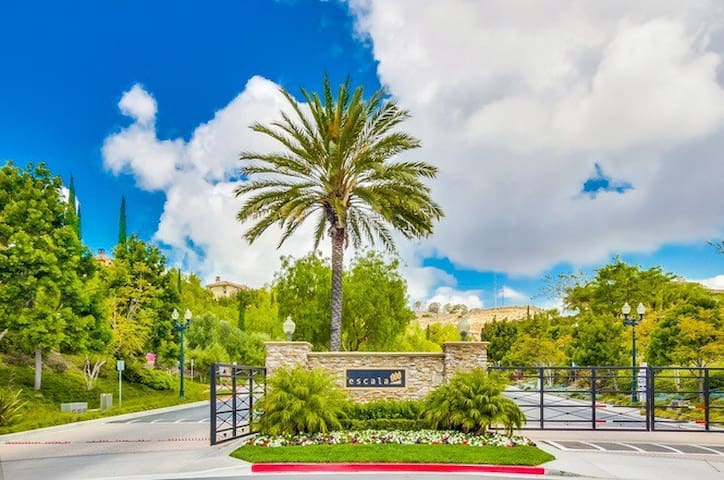 Mission Valley Luxury Townhome - San Diego - Casa
