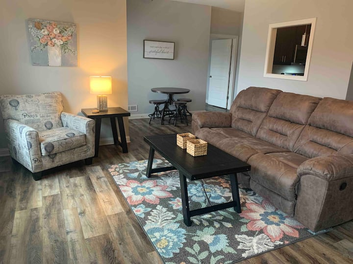 New in 2021!  Rest & Relax - 2 bdrm flat