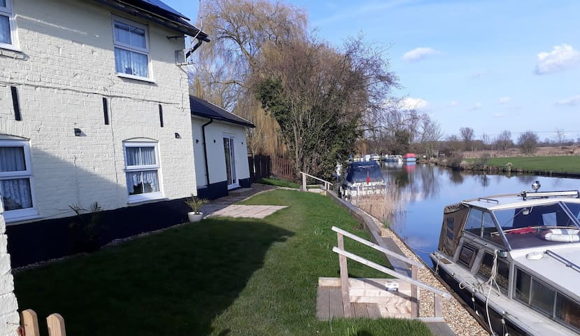 Airbnb Downham Market Holiday Rentals Places To Stay