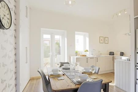 Luxury, Coastal, Cool in Southwold -All on 1 Level - Southwold