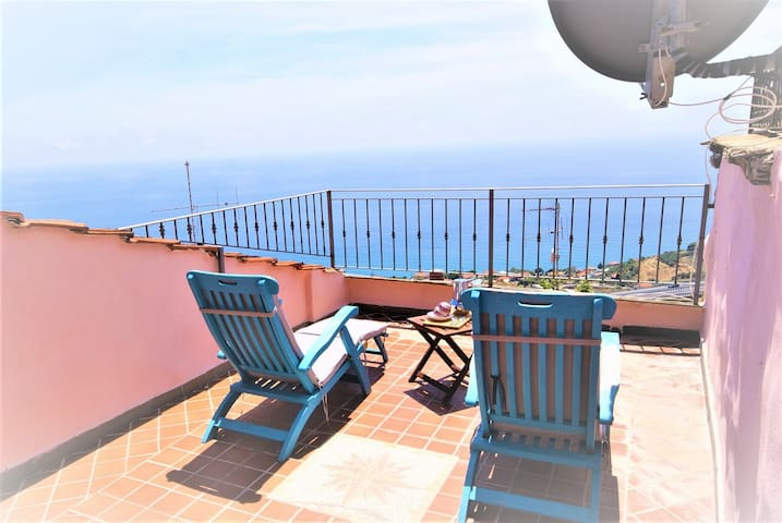 Apartment with terrace and sea view - Ap21