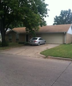 Beautiful, fully furnished home! - Bartlesville