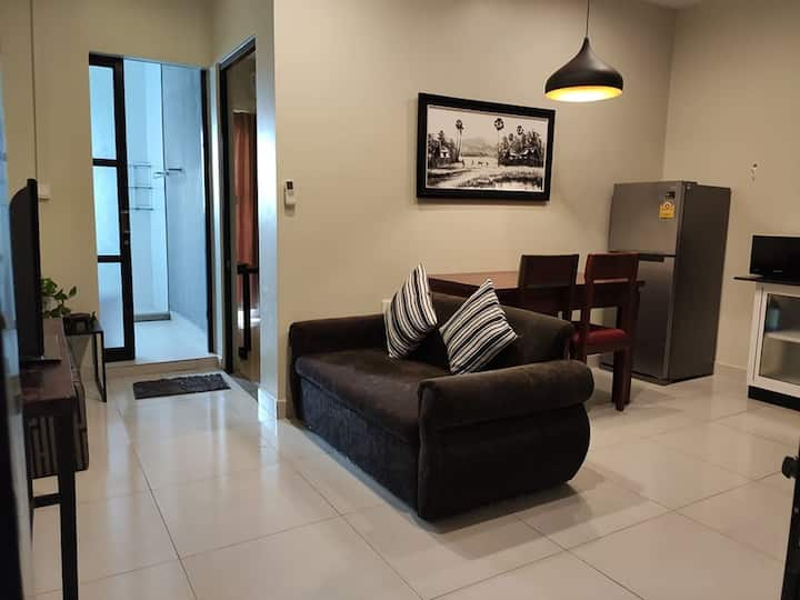 Modern Spacious One Bed Room Apartment