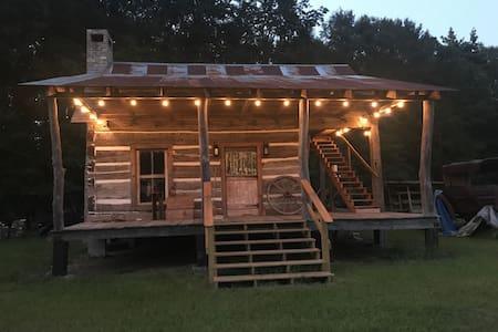 1830'S Log Cabin