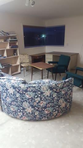 2 Double & 1single bed in dormitory & sofa (6 max) - Marton - Apartment