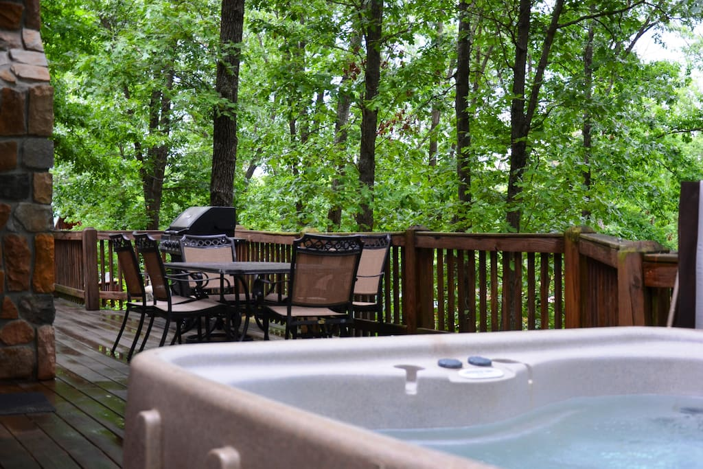 Watch the bird life from the privacy of your Hot Tub on your back deck