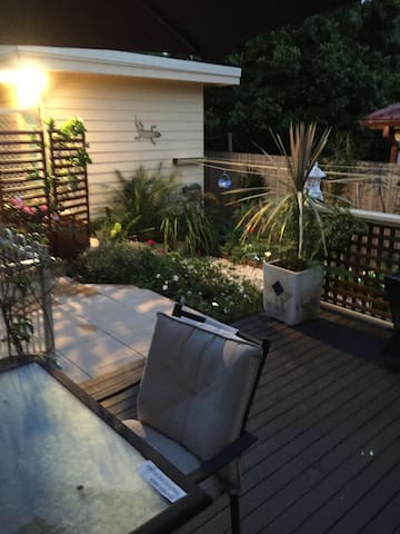 Tropical garden studio near manly - Beacon Hill - Bungalow
