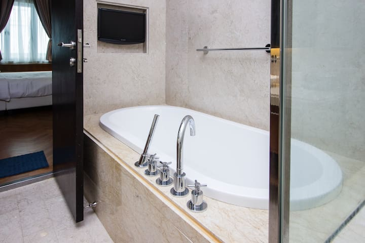 Bath Tub in Washroom 1