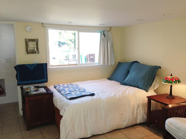 Albany Abode: Walk to Bart & Free Parking