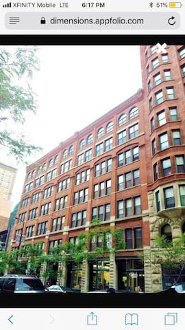 Timber Loft in Loop, walk to the Park and more!