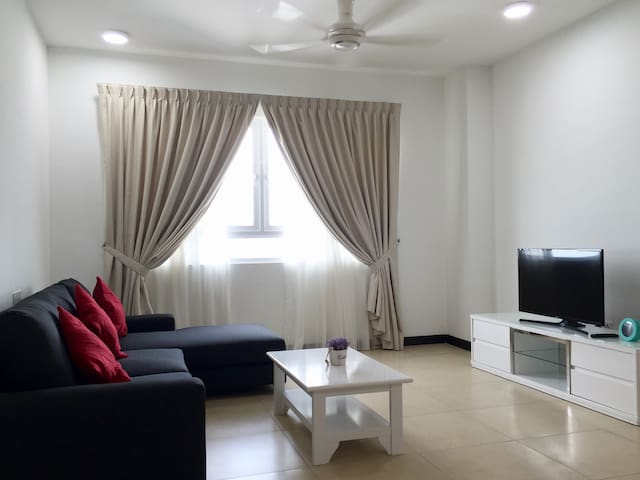 3 Rooms Low Density Seaview Condo (New) - Gelugor
