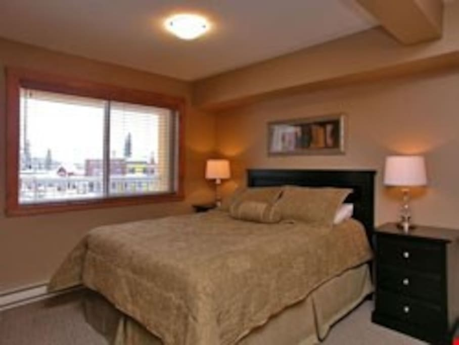 Get a fantastic night's sleep in the luxurious bed.
