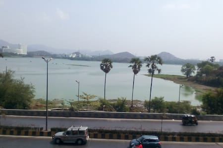 Private room with complete view of the Powai Lake - Mumbai