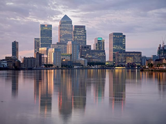 Affordable Luxury Apartment & Views - Canary Wharf - London - Apartment