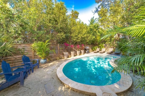 3br/2b in Anna Maria w/ Private Heated Pool Oasis