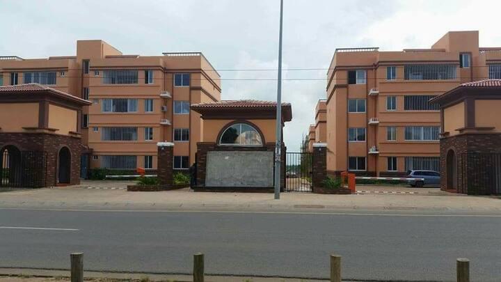 Vendo Apartamento no condomínio king vilage Matola