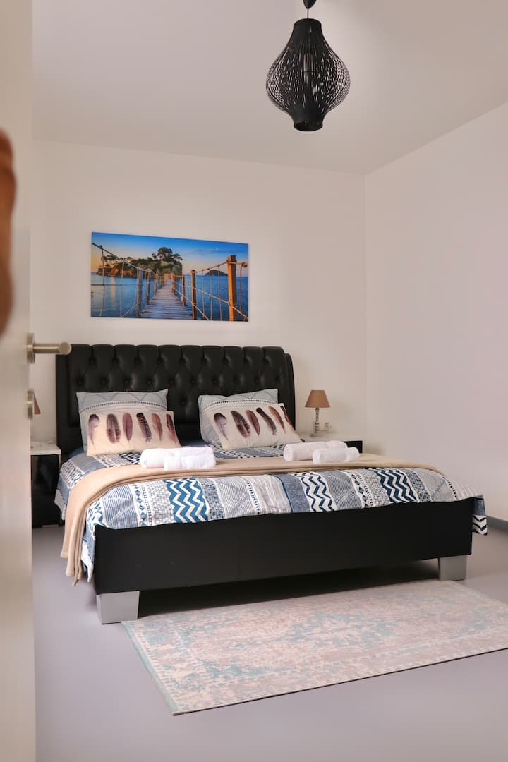 Spacious & comfortable room  in city Ghent