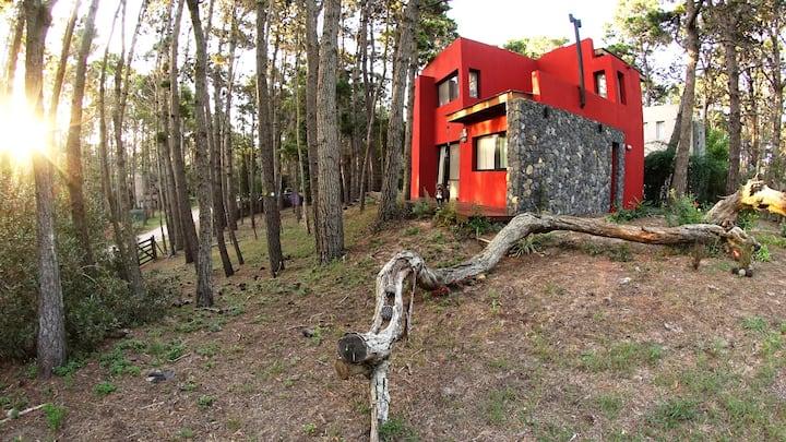 Casa en Mar Azul, cómoda y en agradable entorno.