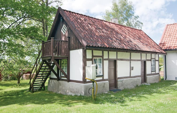 Holiday cottage with 1 room on 36 m² in Lärbro