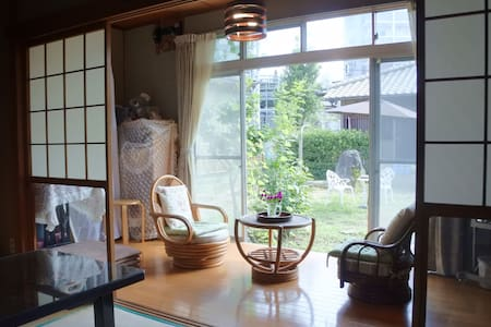진짜 일본의 옛 집. 역 인근 - 宗像市