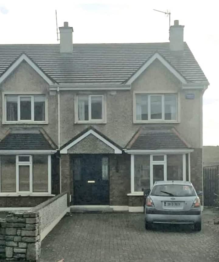 Entire house in Strandhill close to the beach