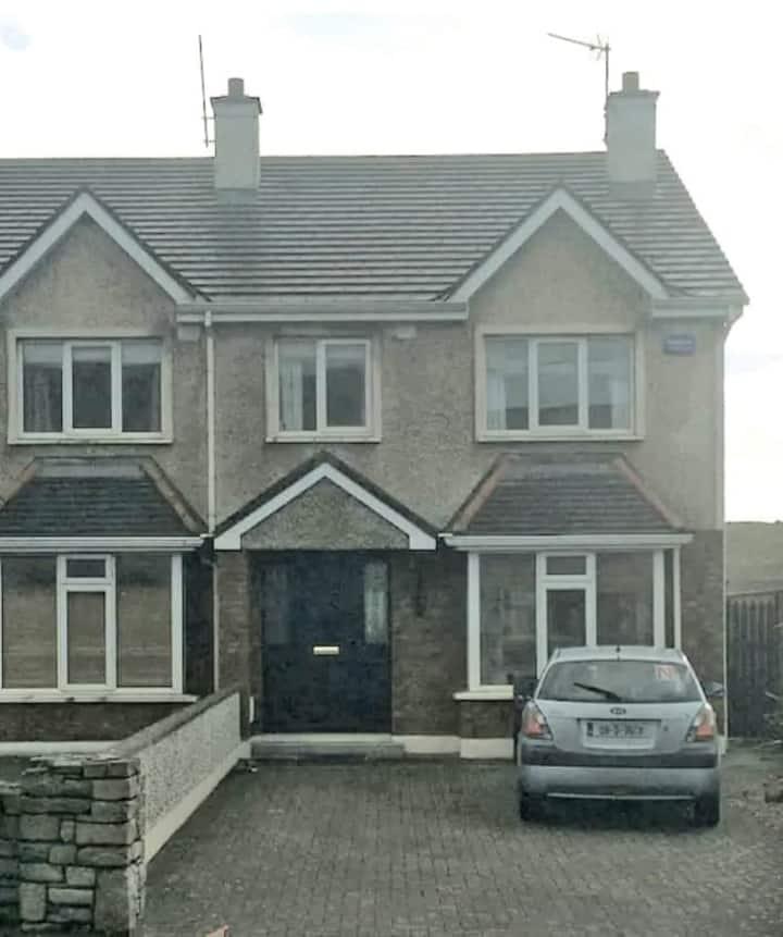 Entire house in Strandhill close to the beach