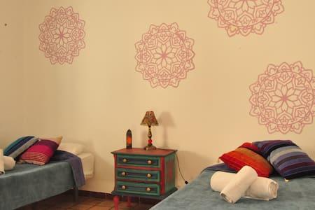 Double Room 2: Friendly Shared House - Tarifa