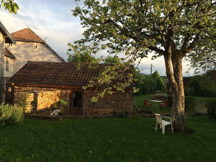 Maisonnette dans la campagne