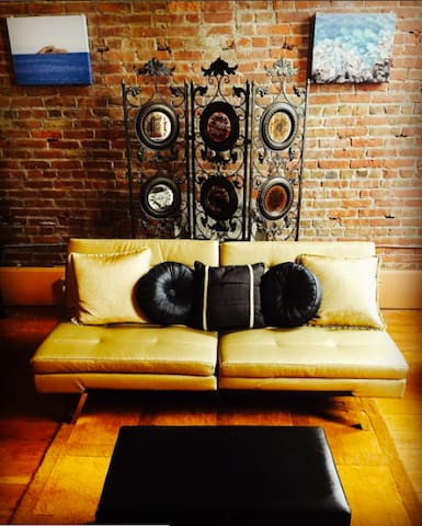 Old Town Living Room Lounge (studio/suite/flat) - Eureka - Loft-asunto