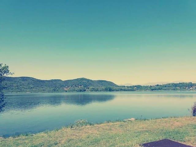 Grazioso Bungalow Lago di Comabbio
