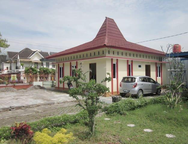 Jogja Boutique Homestay Unit UMY 2