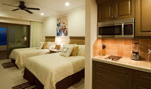 Beautiful Suite w/ 2 Queen Beds in Loreto, Mexico