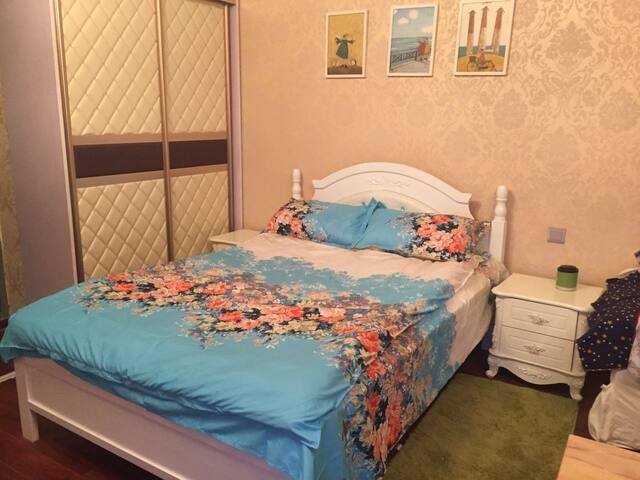 滨湖河埒口万达公寓 全新欧式装修 宜家品牌家具  家电生活设施齐全 - Wuxi
