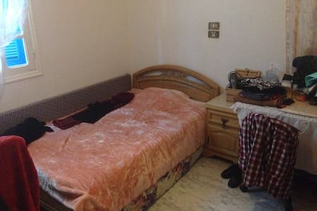 Chambre à l'ariana tunis , - Ariana - Casa