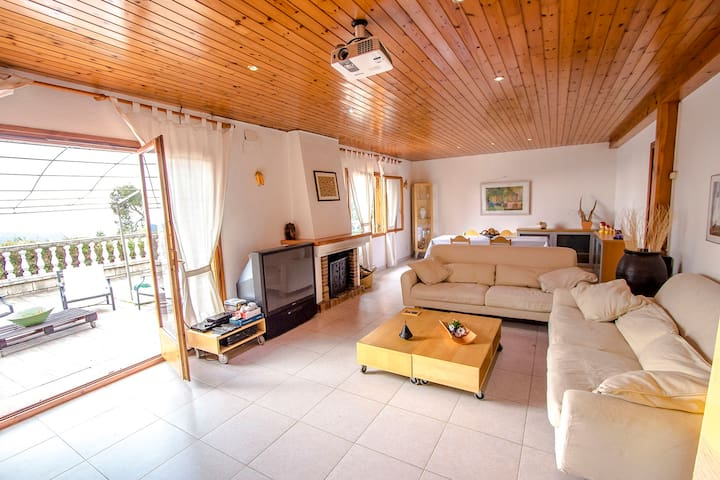 Villa Cebria el Maresme for 9 guests, only 6 minutes to the beach! - Barcelona Region