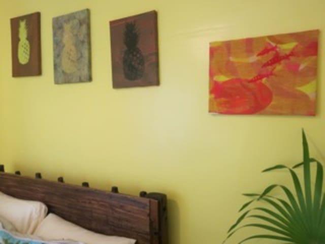 Citrine Room