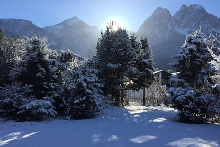 Secluded paradise with garden under the mountains - Grainau - Dom