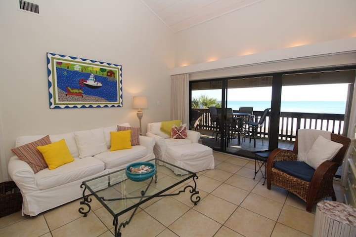 Shipwatch B302-Beach Front Views from Terrace with Luxurious Interior & Loft!