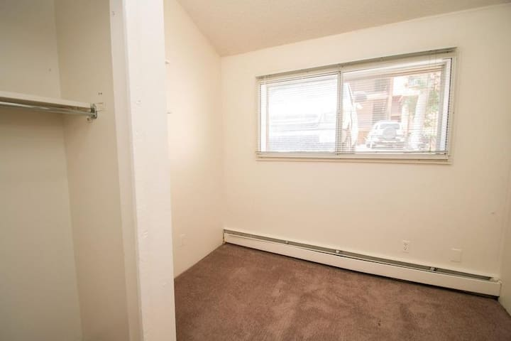 Sublease in the heart of the Hill