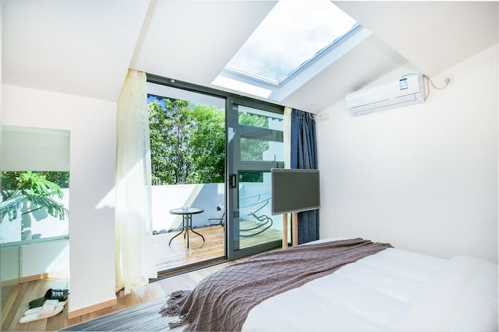 Loft B Independent Suite with Terrace + Skylight