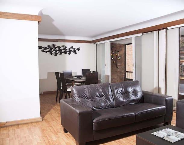 Spacious 2 Bedroom Apartment in La Carolina - Bogotá - House