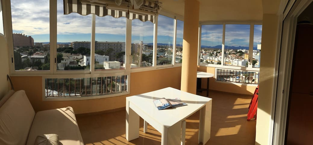Grande apartamento al lado de la playa, vistas mar - Roses - Lägenhet