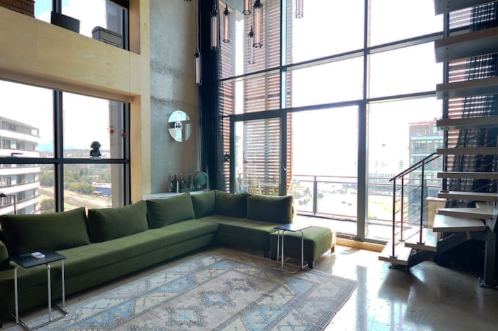 Luxury  Loft Apartment with spectecular city view