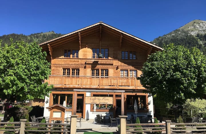 """The """"Alpes"""" chalet in Château-d'Oex"""