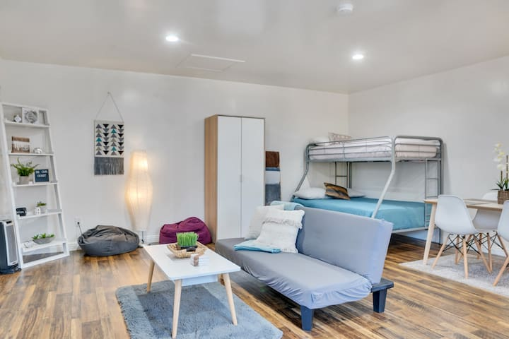 Clean and Sanitized Studio Sleeps up to 4 people