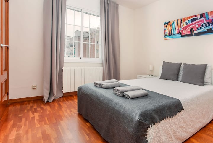 Lovely room for 2 people near Sagrada Familia