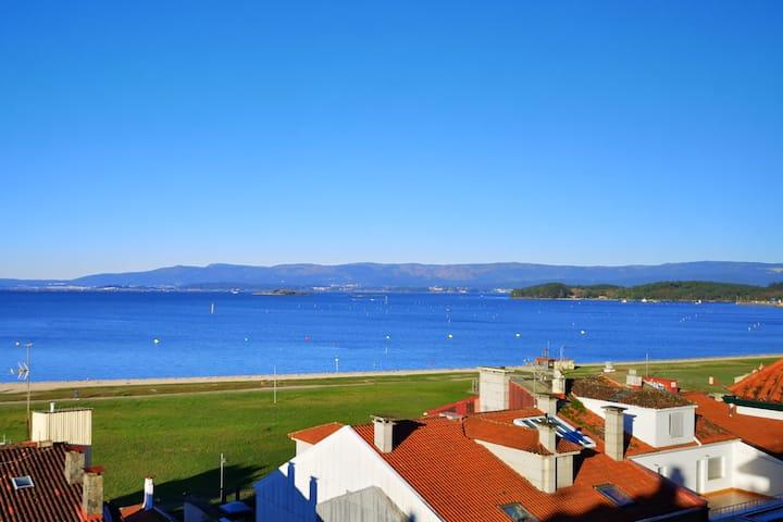 Atico con magnificas vistas al mar, Villagarcia