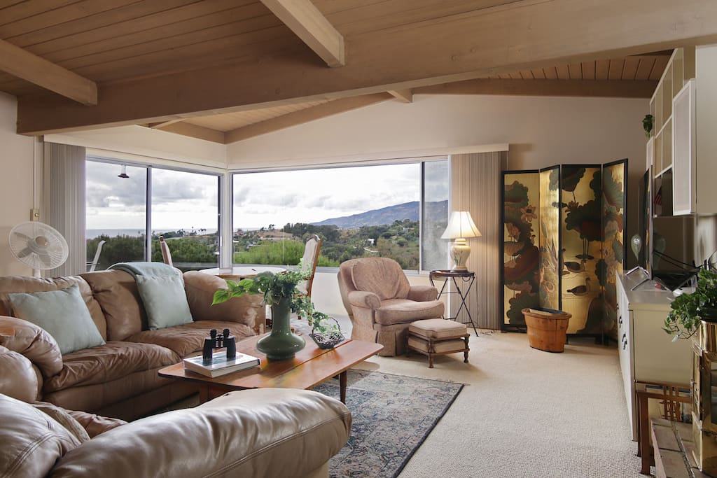 Stylish living room with sweeping Pacific views.